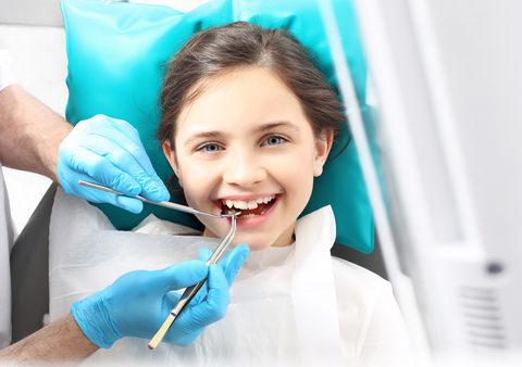 A kid a the dentist