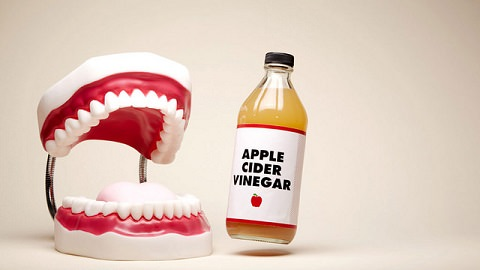 Does apple cider vinegar whiten your teeth?