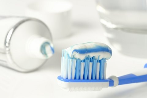 What is whitening toothpaste made from?