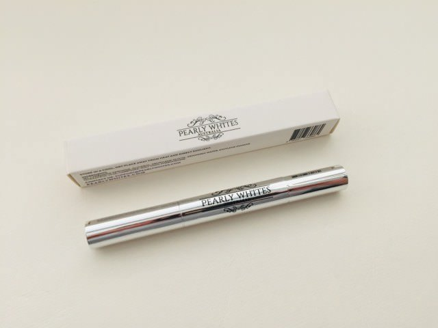 Pearly Whites Express Pen and its packaging