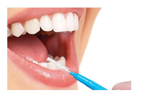 Using Piksters interdental brushes