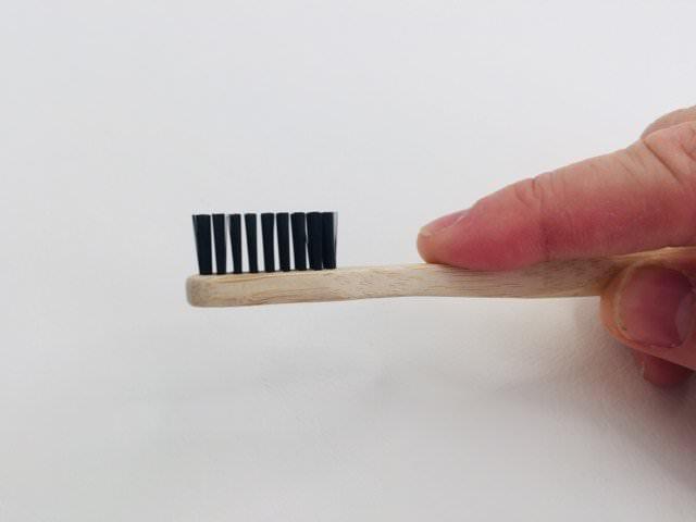 straight edged bristles on the kappi toothbrush