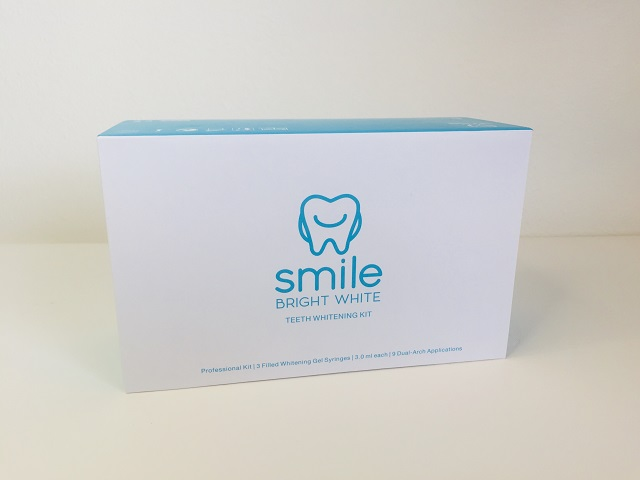 Smile Bright White Teeth Whitening kit