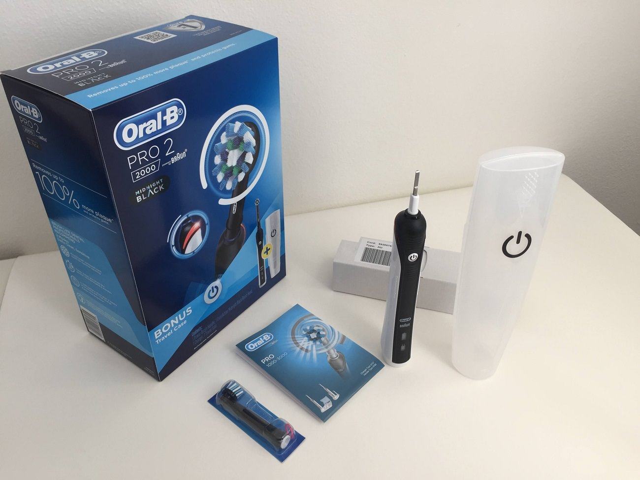 The Oral-B Pro 2 2000 Electric Toothbrush packaging and contents