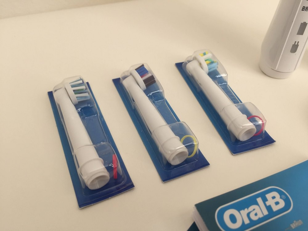 3 brush heads that come with the Smart 5000 Electric Toothbrush